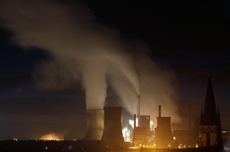 Le milliardaire Kretinsky acquiert des centrales charbon — France