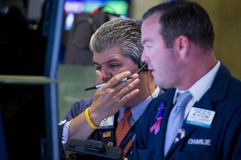 Wall Street: La peur du coronavirus pèse sur Wall Street